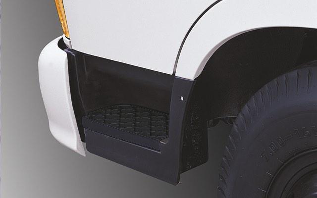 Hyundai 110SL có bậc lên xuống thuận tiện