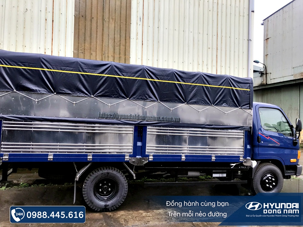 Hyundai Mighty 2017 thung mui bat (2)